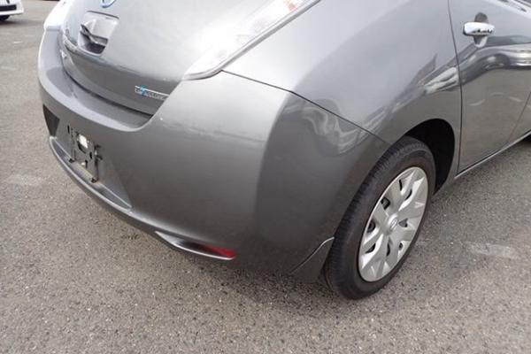 Nissan Leaf 2014 серый зад