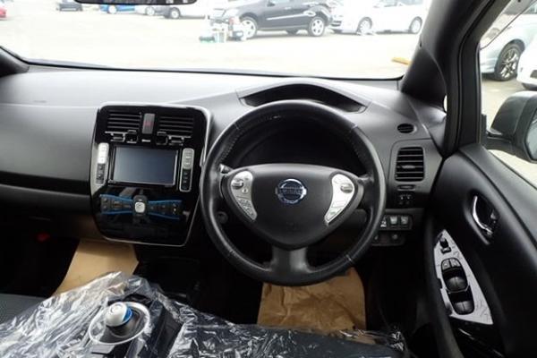 Nissan Leaf 2014 салон