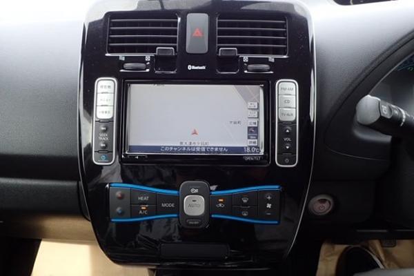 Nissan Leaf 2014 приборы