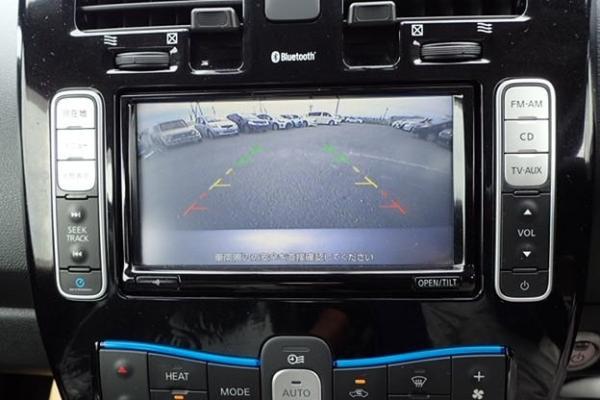 Nissan Leaf 2014 серый вид с камеры
