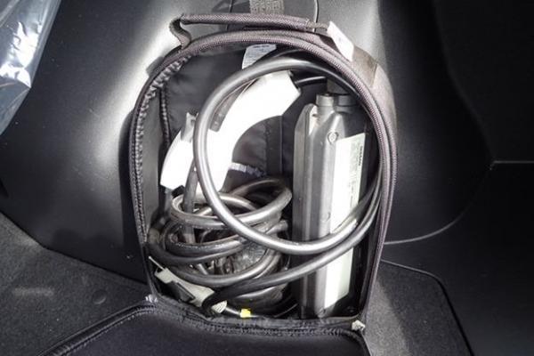 Nissan Leaf 2014 серый аксессуары