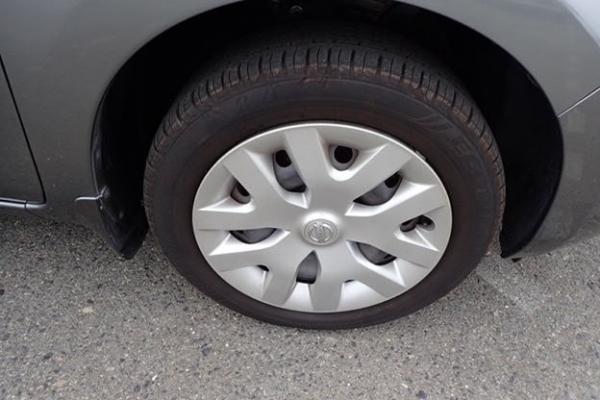 Nissan Leaf 2014 серый колесо