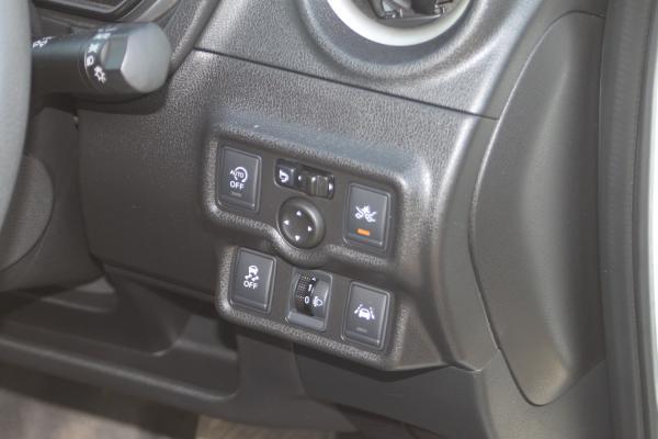 Nissan Note 2015 кнопки