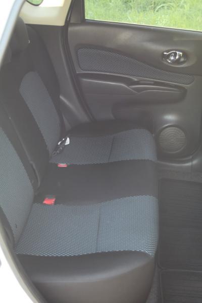 Nissan Note 2015 сиденя