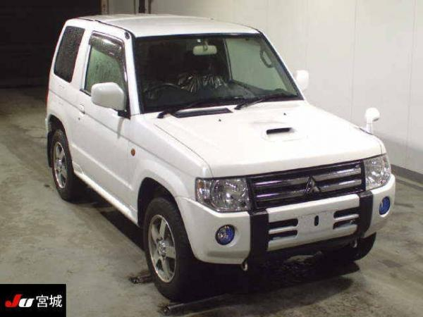 Mitsubishi Pajero Mini II Рестайлинг 2012 белый