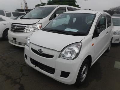 Daihatsu Mira 2015 белый спереди