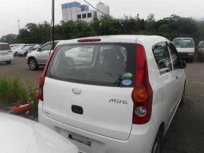 Daihatsu Mira 2015 белый зад