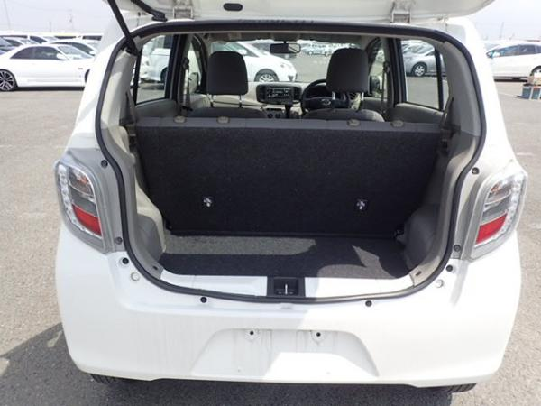 Daihatsu Mira 2015 белый багажник