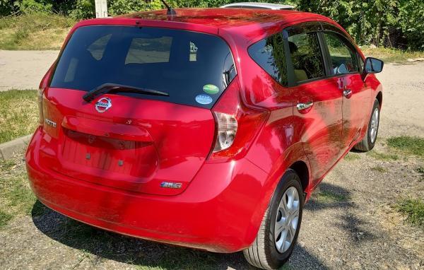 Nissan Note 2015 красный зад