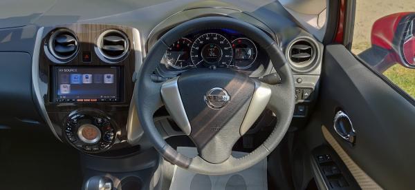 Nissan Note 2015 руль