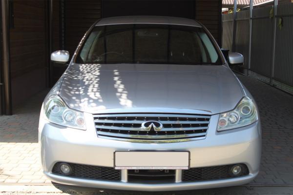 Nissan Fuga I Рестайлинг серый спереди