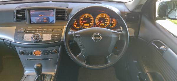 Nissan Fuga I интерьер