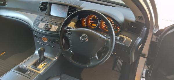 Nissan Fuga I Рестайлинг интерье