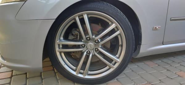Nissan Fuga I Рестайлинг серый колесо