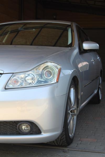 Nissan Fuga I Рестайлинг серый фара