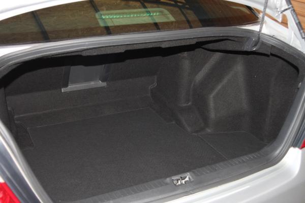 Nissan Fuga I Рестайлинг серый багажник