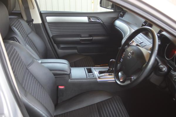 Nissan Fuga интерьер