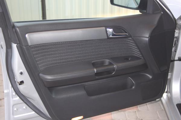 Nissan Fuga 2006 дверь