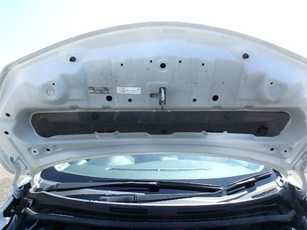 Nissan Note 2016 белый капот