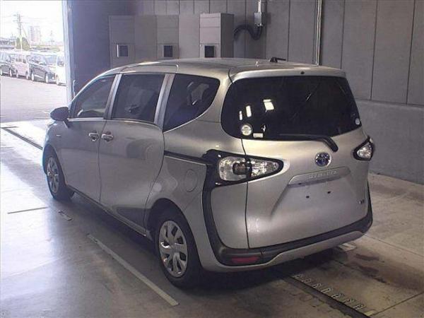 Toyota Sienta II