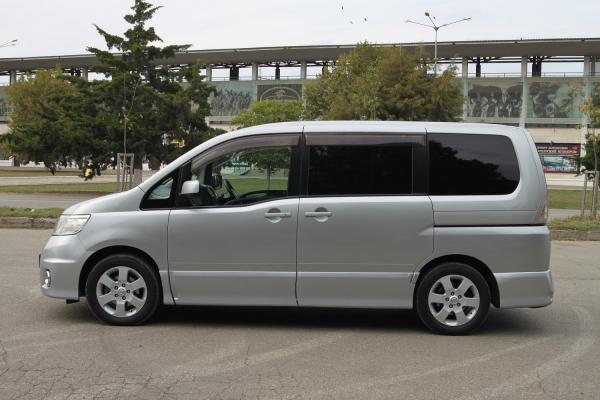 Nissan Serena 2007 серый сбоку