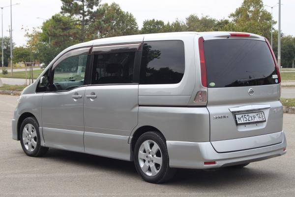 Nissan Serena 2007 серый зад