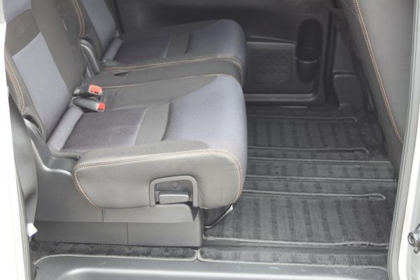 Nissan Serena 2007 ковры
