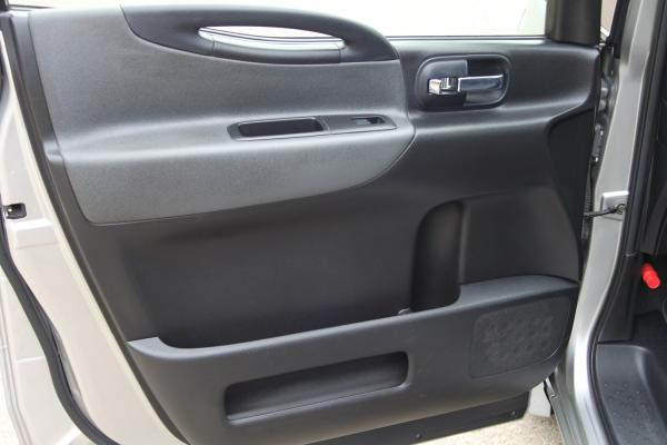 Nissan Serena 2007 серый дверь