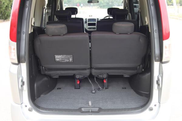 Nissan Serena 2007 багажник