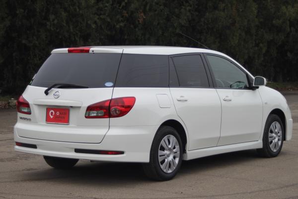 Nissan Wingroad 2016 белый зад