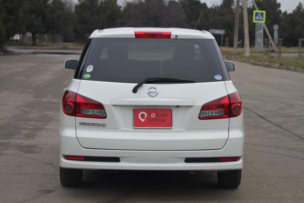 Nissan Wingroad 2016 белый сзади
