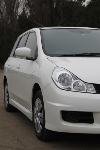 Nissan Wingroad передняя фара