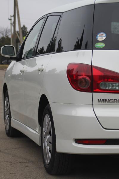Nissan Wingroad фара
