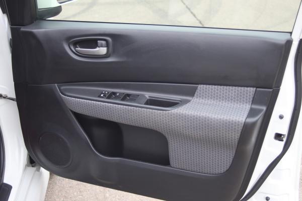 Nissan Wingroad 2016 белый дверь