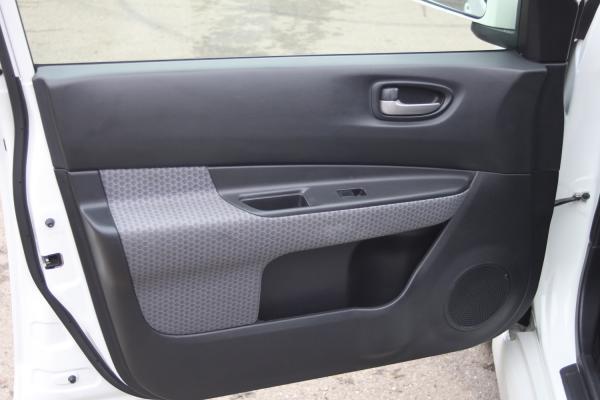 Nissan Wingroad 2016 дверь