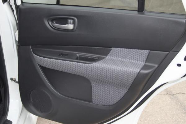 Nissan Wingroad дверь