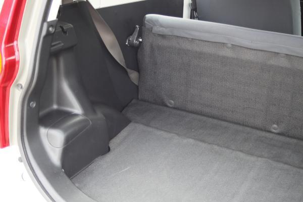 Daihatsu Mira 2015 багажник