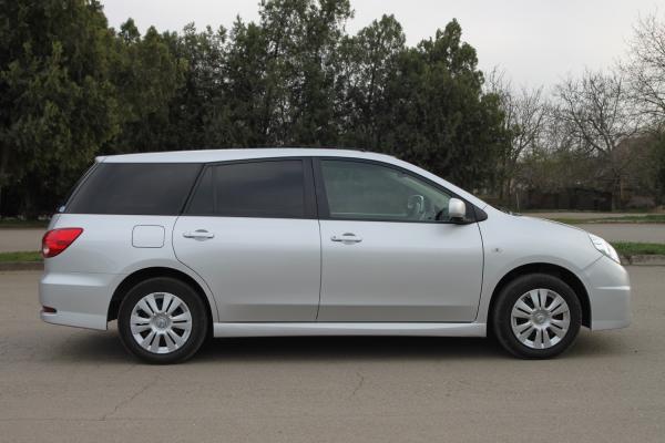 Nissan Wingroad 2017 серый сбоку