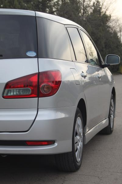 Nissan Wingroad задняя фара