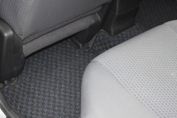 Nissan Wingroad ковры