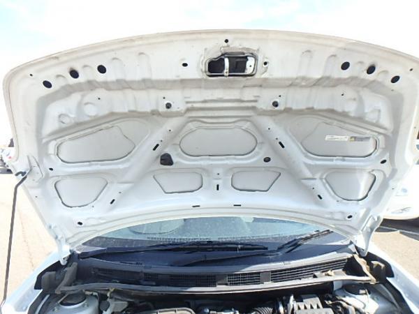 Nissan Wingroad 2017 белый капот