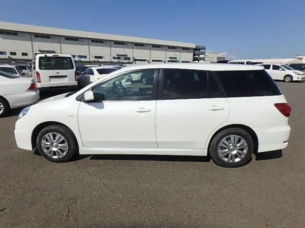 Nissan Wingroad 2017 белый сбоку