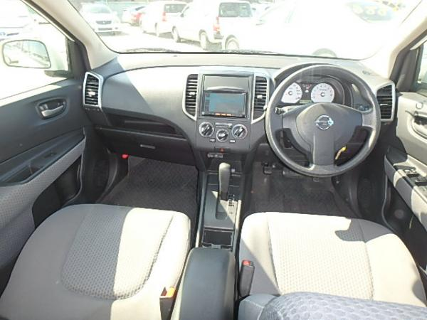 Nissan Wingroad 2017 салон