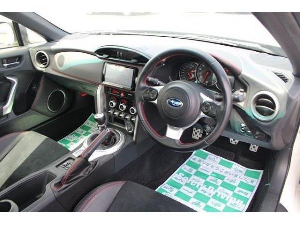 Subaru BRZ I 2016 интерьер