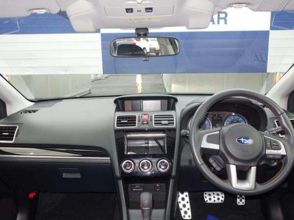 Subaru XV I Рестайлинг 2016 салон