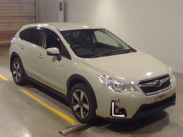 Subaru XV I Рестайлинг белый