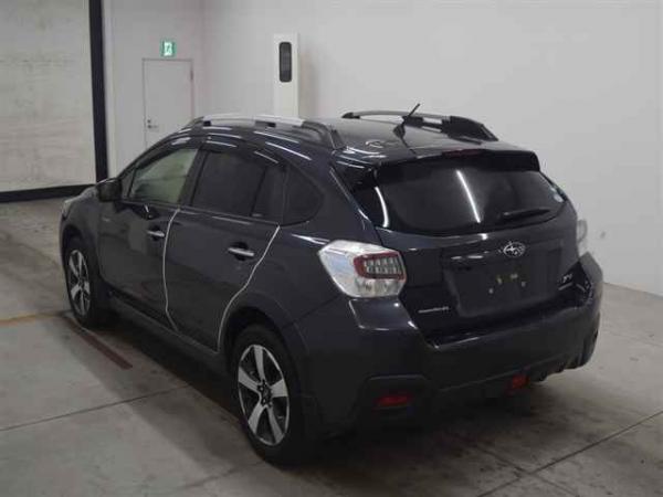 Subaru XV I Рестайлинг чёрный сзади