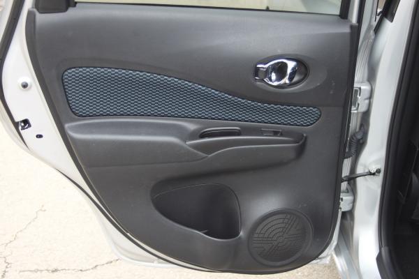 Nissan Note дверь
