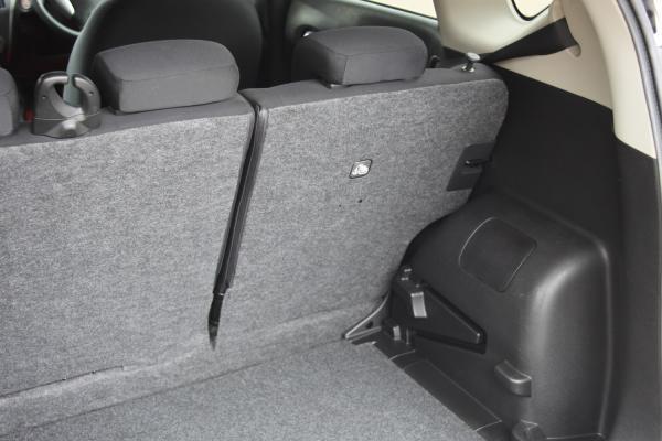 Nissan Note багажник