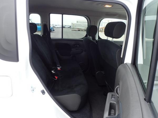 Nissan Cube 2017 задние сидения